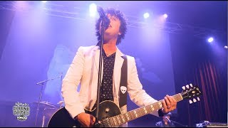"Green Day Performs ""Brainstew"" in the KROQ HD Radio Sound Space"