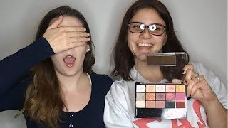 NO MIRROR MAKEUP CHALLENGE | MY ROOMMATE GUIDES ME THROUGH A MAKEUP TUTORIAL